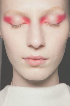 eye makeup remover to eye makeup makeup quick makeup makeup 2019 eye makeup remover oil free makeup bridal makeup looks for brown eyes Eye Makeup, Runway Makeup, Makeup Art, Hair Makeup, Pink Makeup, Makeup Contouring, Glitter Makeup, Colorful Makeup, Makeup Trends