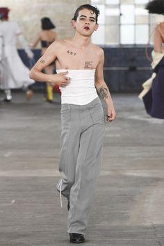 MAN Spring 2018 Menswear Fashion Show Collection Fashion Week, Runway Fashion, High Fashion, Fashion Show, Mens Fashion, Fashion Design, Queer Fashion, Androgynous Fashion, Londoner Mode