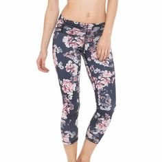 Legging Body Language #sportswear #madeinusa #flower #yoga