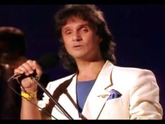 Elba, Rei Roberto Carlos, Shows, Youtube, Happy Moments, Romanticism, Songs, Celebs, Places