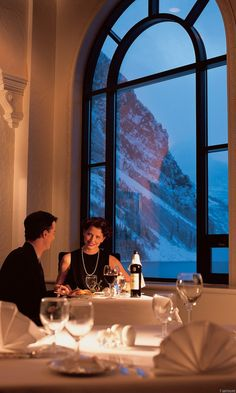 Romantic Valentine's Day Dinner at gorgeous Canadian Mountains//