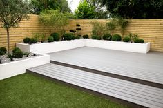Small, low maintenance garden jardins minimalistas por yorkshire gardens minimalista compósito de madeira e plástico Back Garden Design, Backyard Garden Design, Patio Design, Backyard Designs, Small Garden Landscape Design, Diy Garden, Garden Bed, Low Maintenance Garden Design, Low Maintenance Landscaping