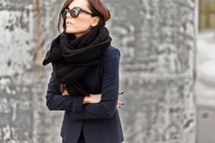 """bestfashionbloggers: """"Style Heroine / Dress like a gift http://ift.tt/1y8Zdwb // see more at bestfashionbloggers.com """""""