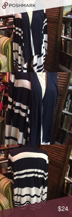 Lane Bryant 18/20 Navy and white cardigan Navy and white striped cardigan very comfortable Lane Bryant Sweaters Cardigans
