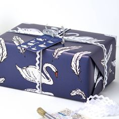 Swan Christmas Wrapping Paper Gift Set