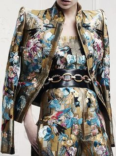 Alexander McQueen - Blazer e calça estampadas, jacquard.