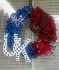 House divided wreath. University of Kentucky / University of Louisville