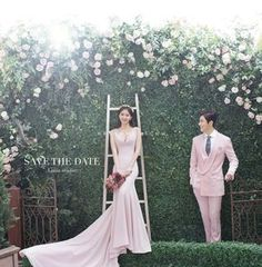A Guide to Good Wedding Photography Pre Wedding Poses, Pre Wedding Photoshoot, Wedding Shoot, Wedding Gowns, Wedding Ideas, Korean Picture, Muslimah Wedding Dress, Korean Wedding Photography, Lace Beach Wedding Dress
