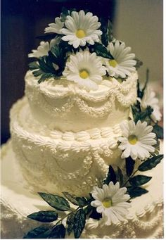 Daisy Wedding Cakes And Buttercream Frosting
