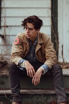 "Cole Sprouse Is Just One of Several Ridiculously Good-looking People in the ""Riverdale"" Cast 