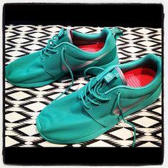 Nike Roshe Run Summer Safari First Look | KicksOnFire