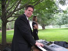 Hire consistent award-winning wedding pianists NJ at Arieabramspianist.com to make your wedding a memorable one. Add a musical edge to your special day. Book Arnie Abram's living shows today.