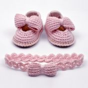 19 Baby Booties Crochet Patterns – Adorable Baby Gifts - A Crafty Life Crochet Baby Boots, Crochet Baby Sandals, Booties Crochet, Crochet Baby Clothes, Crochet Shoes, Crochet Slippers, Baby Booties, Knitted Baby, Crochet Dolls