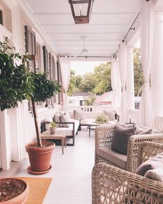 That porch life @86cannonst #summerinthesouth #southernporches #weekendmoments #86cannon #charleston #explorecharleston #southerncharm #southernliving