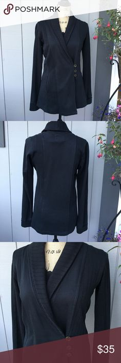 """Lucky Brand cotton knit Jacket This Lucky Brand knit Jacket measures 27"""" long. It has rolled cuffs and two pockets. Perfect with a pair of skinnys and boots! Only worn a couple times, 'like new' condition. Lucky Brand Jackets & Coats"""