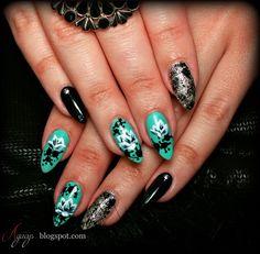 Nail art, Golden Rose nail polish