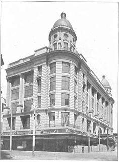 Chas. M. Read Stores, Chapel Street, erected 1914 Newtown Sydney, Historic Houses, Melbourne Victoria, St Kilda, Melbourne Australia, Vintage Photographs, Historical Photos, Old World, Windsor