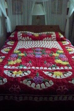 Vintage Needle Tufted Chenille Bedspread Red Sweet Flower Bouquets❤ ❤ ❤  I JUST LOVE THESE OLD BEDSPREADS