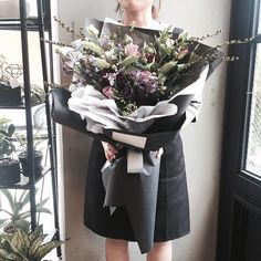 . Lesson Order Katalk ID vaness52 E-mail vanessflower@naver.com . #vanessflower #vaness #flower #florist #flowershop #handtied #flowergram #flowerlesson #flowerclass #바네스 #플라워 #바네스플라워 #플라워카페 #플로리스트 #꽃다발 #부케 #원데이클래스 #플로리스트학원 #화훼장식기능사 #플라워레슨 #플라워아카데미 #꽃수업 #꽃주문 #부케 #花 #花艺师 #花卉研究者 #花店 #花艺 . . 멋스러운 빈티지 대형 꽃다발