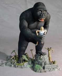Another Robert Hamilton Aurora Model Retro Toys, Vintage Toys, King Kong 1933, Horror Art, Horror Decor, Horror Film, Monster Toys, Merian, Plastic Model Kits
