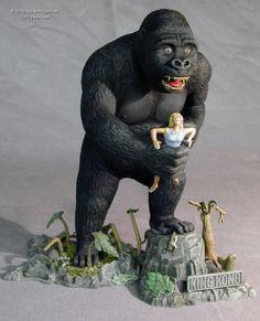 Another Robert Hamilton Aurora Model Retro Toys, Vintage Toys, Monster Toys, Monster Mask, King Kong 1933, Merian, Horror Art, Horror Film, Plastic Model Kits