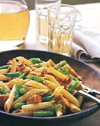 Penne with green beans and cashew butter. I can substitute fake chicken for this.