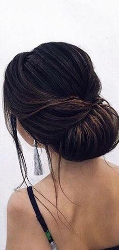 Simple and Elegant Bridal Updo - Featured Hairstyle: ELSTILE Hair & Makeup; www.elstile.com; #wedding hairstyle idea. #weddingmakeup #weddinghairstyles