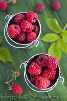 fresh fruit raspberry and black cherry Summer Salads With Fruit, Fruit And Veg, Fruits And Vegetables, Raspberry Salsa Recipe, Fruit Recipes, Mexican Food Recipes, Forest Fruits, Fruit Photography, Cooking Ingredients