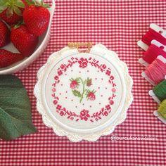 Çilek Kanaviçe / Strawberry Cross Stitch