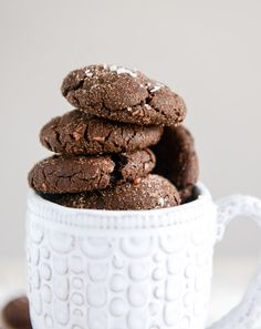 MOCHA COCONUT CRINKLES  ==  Ingredients ==  1/2c butter, 1 c packed brown sugar, 2/3c unsweetened cocoa powder, 1 T instant coffee crystals, 1 t baking soda, 1 t ground cinnamon, 2 egg whites, 1 1/2 c all-purpose flour, 1/3 c granulated sugar, 2 Tunsweetened cocoa powder, 1/3 c unsweetened  shredded coconut, 1/2 t coconut extract ====