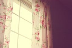 floral curtains!! <3 <3