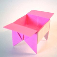 DIY Origami Candy Dish - I made a few of these years ago, but forgot how to make them... now I can have another go! :-)