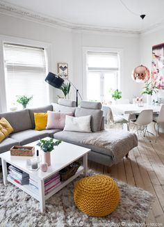 KREATIV-I-TET - interiørblogg med interiør, DIY og personlige tekster   Gul og rosa stue