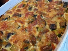 Zucchini, eggplant and tomato au gratin with Comté Vegetarian Zucchini Recipes, Healthy Breakfast Recipes, Veggie Recipes, Healthy Cooking, Cooking Recipes, Healthy Recipes, Zucchini Aubergine, Eggplant Dishes, Cooking Humor