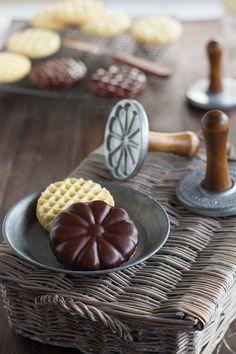 Cómo hacer galletas perfectas con sellos Una de las recetas que tenía pendientes de elaborar, era esta: cómo hacer galletas perfectas con sellos. Bueno lo de perfectas tampoco es, pero al menos