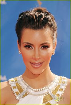 Kim Kardashian, beauty, style and brains for bussiness