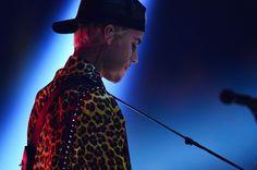 dance music, Drake, hotel lobby pianao, hotline bling, Justin Bieber, pop music, purpose world tour, RIhanna, sexy, work  WATCH: Justin Bieber Busts Out Drake Music On Hotel Lobby Piano