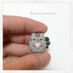I wanna make a clay pusheen More