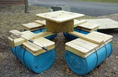 8 person floating raft! Floating Picnic Table Has a cooler in the middle for your favorite beverages, all u need is a trolling motor for fun on the lake or river. Seats 8