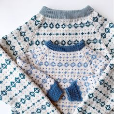 Baby Boy Knitting, Knitting For Kids, Baby Knitting Patterns, Fair Isle Knitting, Knitting Socks, Diy Knitting Projects, Toddler Sweater, Boys Sweaters, Sustainable Clothing