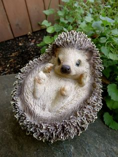 HEDGEHOG  CURLED UP  RESIN DECOR HOME YARD ORNAMENTS NEW Animal  Country Farm