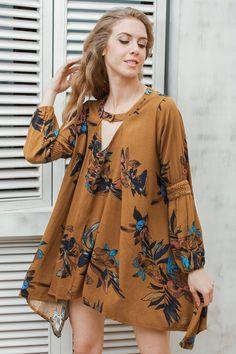 Vintage Pleated Loose Boho Dress by Pesci Moda Short Beach Dresses, Short Mini Dress, Cute Dresses, Short Sleeve Dresses, Summer Dresses, Chiffon Shirt Dress, Off Shoulder Lace Dress, Boho Fashion, Fashion Dresses