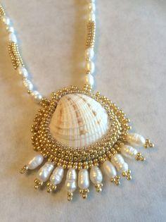 Pendientes y collar de conchas de Venus por SanibelDreaming en Etsy