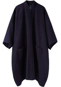 La Garçonne Moderne / Portrait Wool Cape Coat |inward turned bottom hem