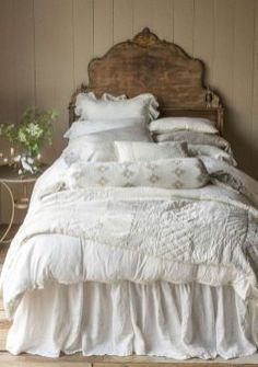 Stunning shabby chic bedroom decor ideas (17)