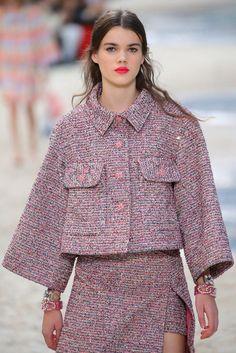 Pin on High fashion 2020 Fashion Trends, Fashion Week, Fashion 2020, Love Fashion, Vintage Fashion, Fashion Outfits, Womens Fashion, Style Haute Couture, Couture Fashion