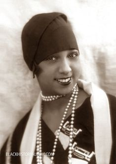 """The lovely Josephine Baker known as """"the Bronze Venus"""" and """"the Black Pearl"""". Josephine Baker was the first American woman buried in France with military honors. Josephine Baker, Belle Epoque, Vintage Black Glamour, Vintage Beauty, Vintage Hair, Women In History, Black History, History Icon, Nasa History"""