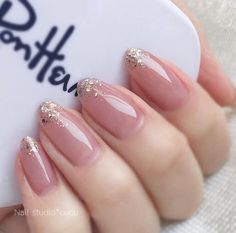 Stylish acrylic nude wedding nails design ideas – Page 27 How to use nail polish? Nail polish on your friend's nails looks perfect Classy Nails, Stylish Nails, Simple Nails, Trendy Nails, Simple Bridal Nails, Bridal Nail Art, Nail Manicure, Gel Nails, Coffin Nails