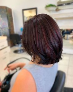 Natural red hair is breathtaking. It is a color that can't be replicated and makes short hair look stunning and unique. Although some of us aren't bor... Red Brown Hair, Short Brown Hair, Red Hair For Dark Hair, Short Red Hairstyles, Cool Hairstyles, Men's Hairstyle, Formal Hairstyles, Wedding Hairstyles, Above Shoulder Length Hair