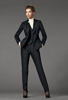21 Elegant Trendy Classic Fashion - wow the pant suit, it`s perfection (just needs to undo 2 top buttons on the shirt!!)